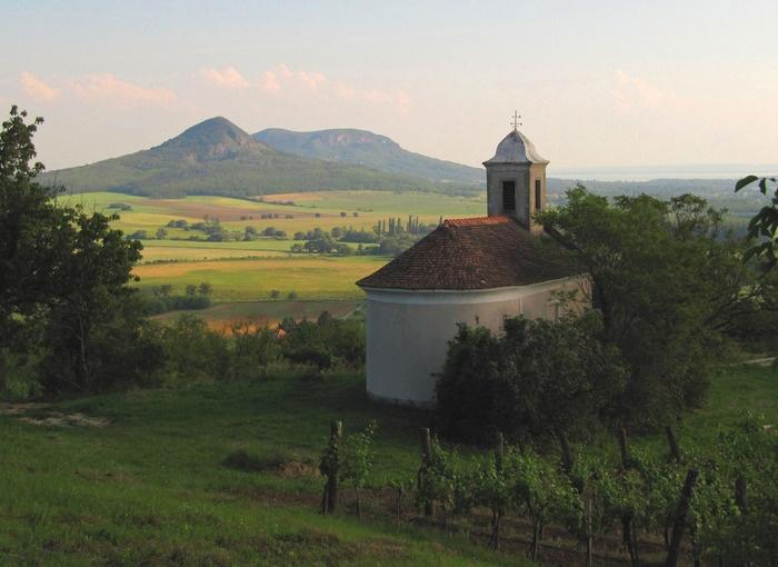 Szent Donát kápolna, Gyulakeszi, Csobánc