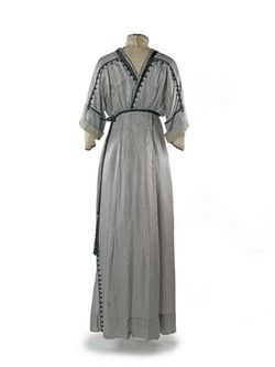 Dress | Museum of London Dress  A pattern of this dress is included in Janet Arnolds 'Patterns of Fashion: Englishwomen's dress and their construction c. 1860-1940 on page 60. Arnold describes the gown as a - See more at: http://collections.museumoflondon.org.uk/Online/object.aspx?objectID=object-81657&start=131&rows=1#sthash.KV1dMtoN.dpuf