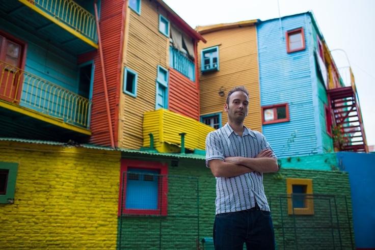 Gustavo en Caminito, lugar donde se fundó Buenos Aires