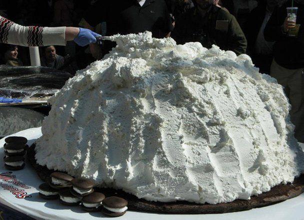 World's largest Whoopie Pie!