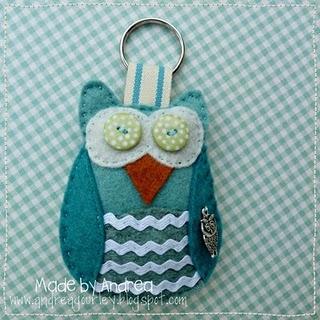 Pretty owl felt keyring