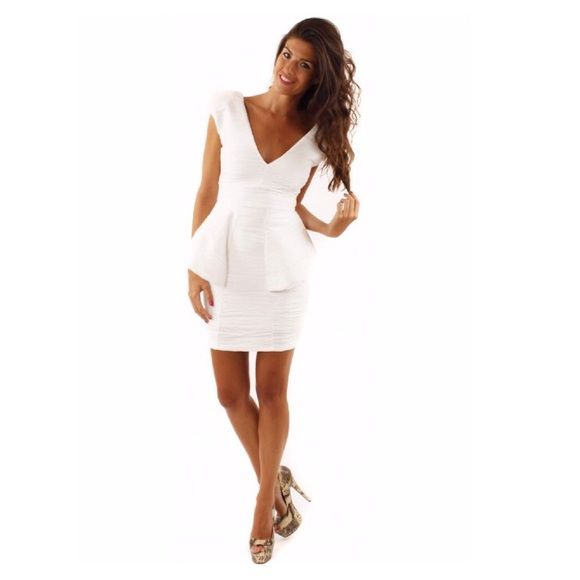 ⚡️Sale Today Only ⚡️ White Peplum Dress New!  Feeling elegant? Buy a Peplum dress.  Size run like a Small Dresses