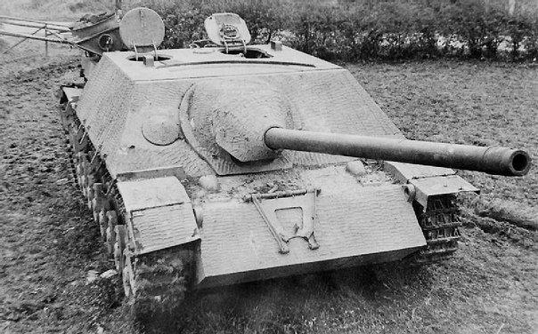 Jagdpanzer IV 70 , reinforced with zimmerit.