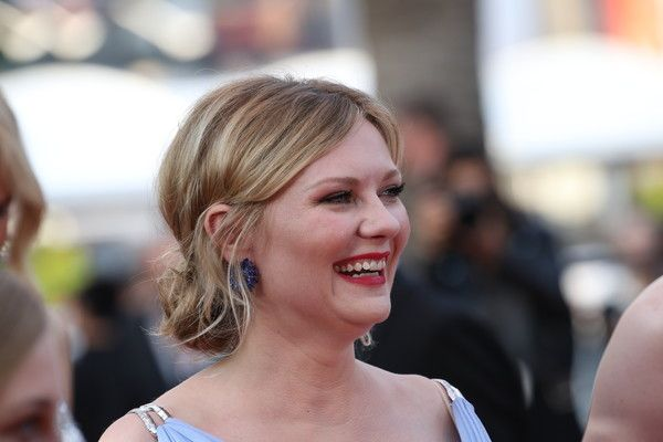 """Kirsten Dunst Photos Photos - Kirsten Dunst attends the """"The Beguiled"""" screening during the 70th annual Cannes Film Festival at Palais des Festivals on May 24, 2017 in Cannes, France. - 'The Beguiled' Red Carpet Arrivals - The 70th Annual Cannes Film Festival"""
