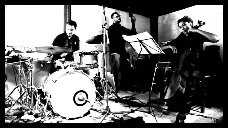 LUZ + Tomeka Reid - FRATE MITRA