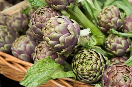 Here's how to grow artichokes. They're easy to cultivate - the most important trick is to grow them in a method consistent with the climate in your area.