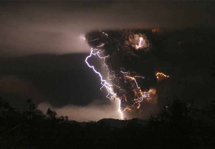 Iconic photo of the Chaiten eruption in 2008 with lightening in the eruption column   from the Boston Globe http://cache.boston.com/universal/site_graphics/blogs/bigpicture/chaiten_06_04/chaiten5.jpg