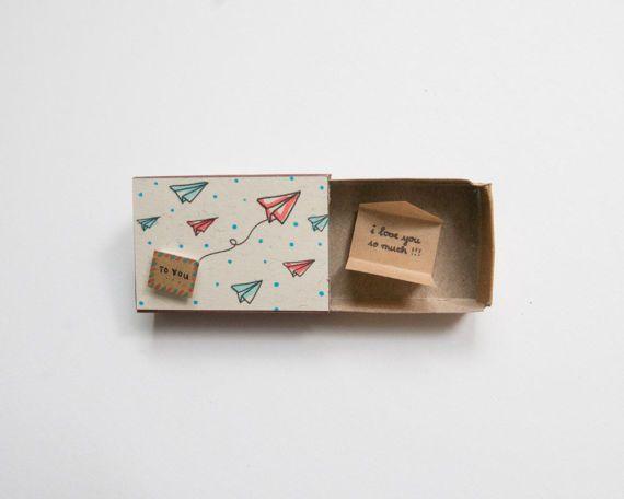Romantische Liebe Karte / süße Liebe Matchbox-Karte / einzigartige Liebe Geschenk / Papierflieger gerne / Umschlag / ich liebe dich So sehr / LV015