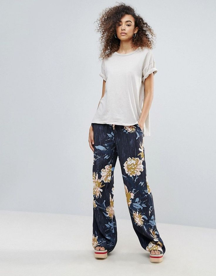 Get this Gestuz's wide leg trousers now! Click for more details. Worldwide  shipping. Gestuz Via Floral Print Wide Leg Trousers - Navy: Trousers by  Gestuz, ...