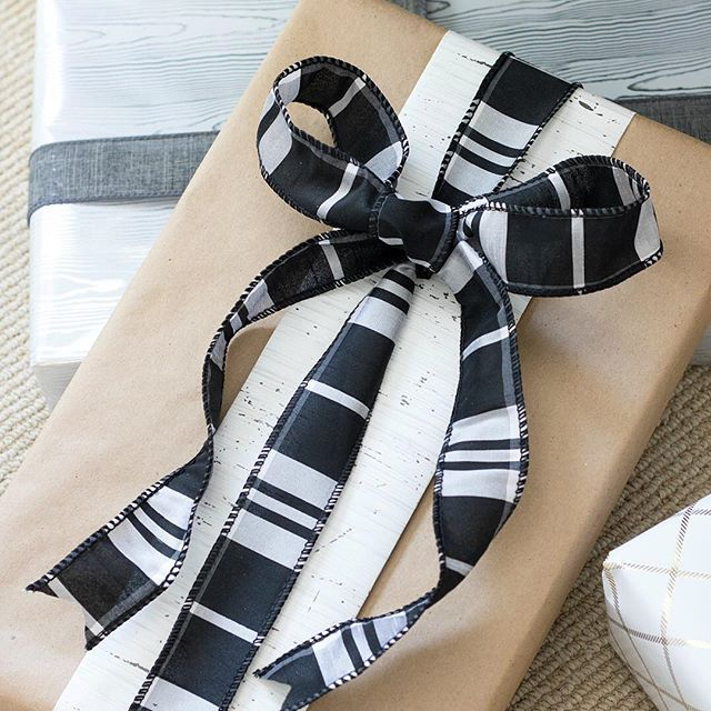 Gifts With Photos On Them Part - 32: You Know All Of Those Strips Of Wrapping Paper That Are Always Left Over  After You Wrap Gifts? Instead Of Tossing Them, Use Them As Pretty Accents  On The ...