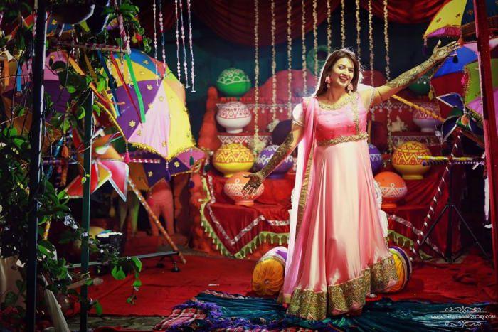 Photographer - Truly Splendid! Photos, Hindu Culture, Beige Color, Decoration, Bridal Makeup, Bridal Mehandi pictures, images.