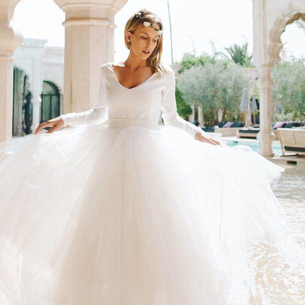 Gorgeous Charlotte from our session in Marrakesh Marocco with dress from Sylwia Kopczyńska. . . . . . #weddings #brides #wedding #weddingphotographer #plenerslubny #luxury #slubneinspiracje #marocco #luxurywedding #luxurylife #luxuryhotel #hotel #session #weddinginspiration #weddingseason #marrakesh #weddingideasbrides #palaisnamaskar