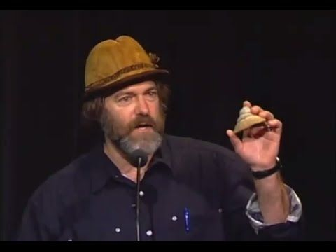 Paul Stamets: 6 ways mushrooms can save us from extinction!