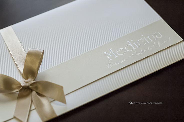 Detalhes elegantes neste lindo convite de formatura.