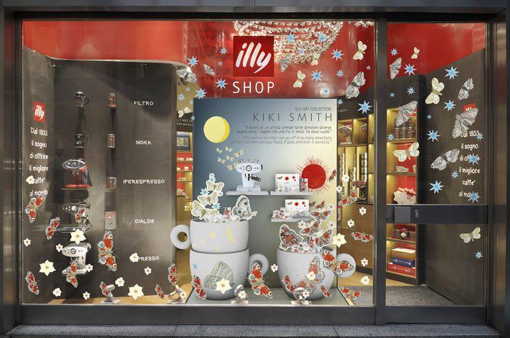 ILLY SHOP Galleria San Carlo MI   Vetrina Kiki Smith