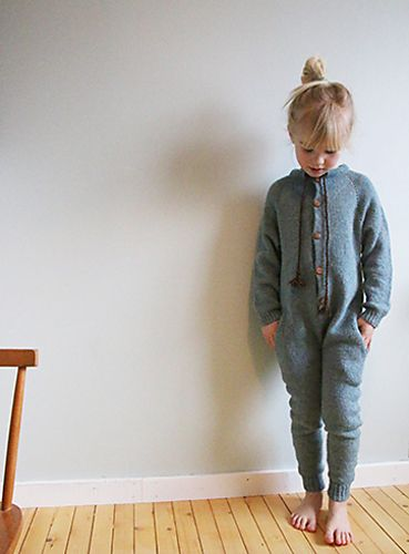 Hello Onesie! / Hallo heldress pattern by Anna & Heidi Pickles