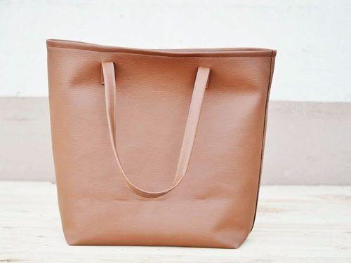 DIY tutorial: Sew a Leatherette Tote Bag via DaWanda.com