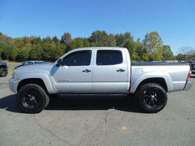 best 25 toyota tacoma for sale ideas on pinterest toyota tacoma lifted tacoma for sale and. Black Bedroom Furniture Sets. Home Design Ideas