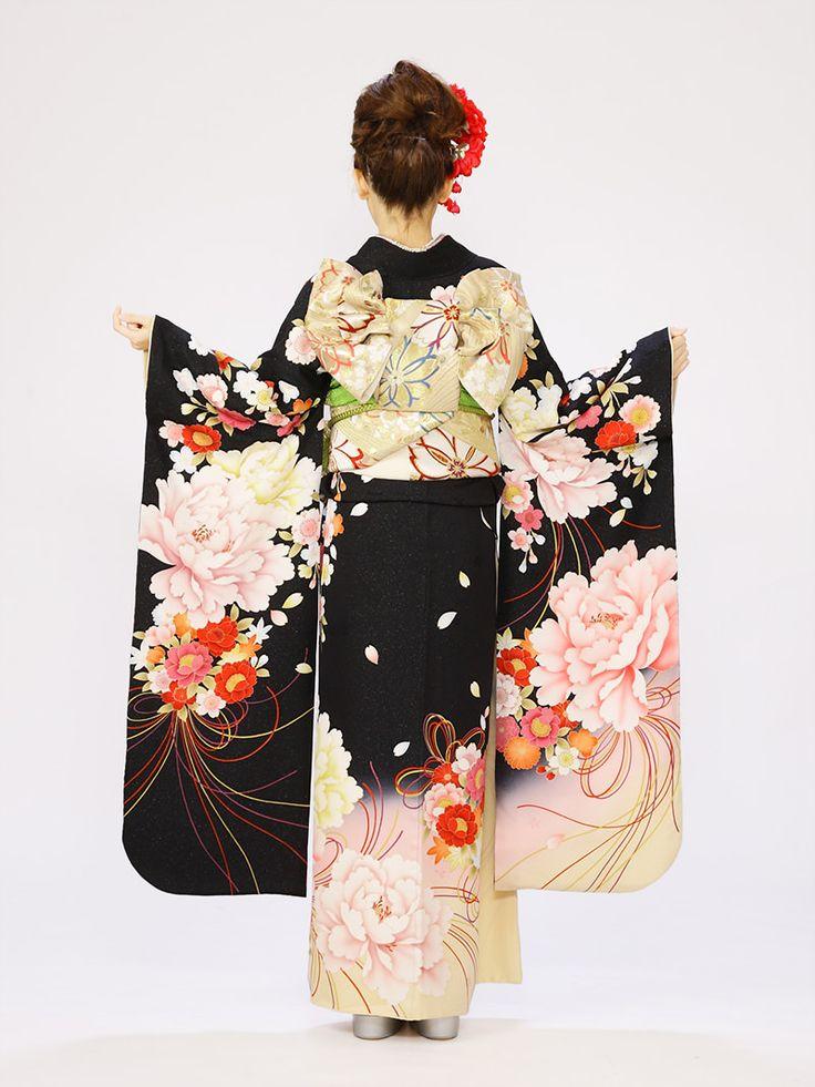 【振袖レンタル】黒のラメ織地に大輪の花が美しい☆