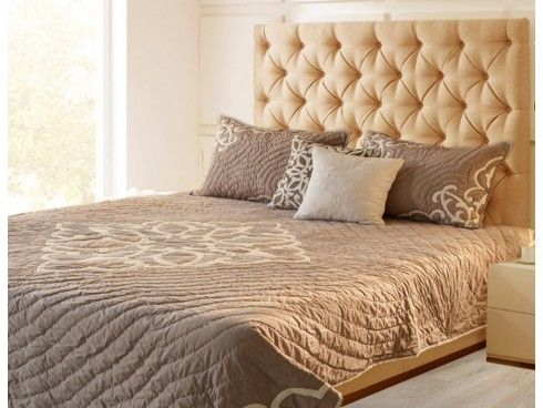 Crewel Embroidered Beige / White Hand Quilted Cotton Bedspread