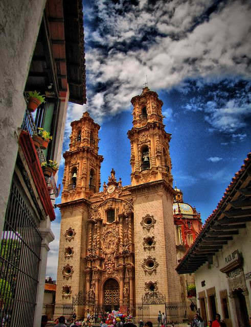 """Taxco. It is heavily associated with silver, both with the mining of it & other metals & for the crafting of it into jewelry, silverware & other items. The city was named 1 of Mexico's """"Pueblos Mágicos"""" (Magical Towns) due to the quality of the silverwork, the colonial constructions & the surrounding scenery"""
