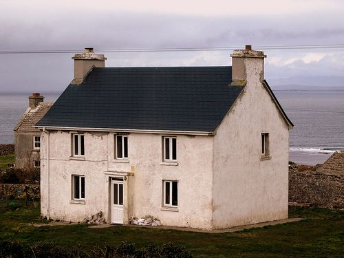 Irish CottageAran Islands, Dreams Home, Luxury House, Irish Cottages, Cottages Looks, Dreams House, First Places, Little Cottages, The Sea