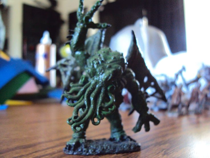 Cthulhu figure that I painted.