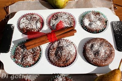 Di gotuje: Czekoladowe muffiny z gruszką i cynamonem