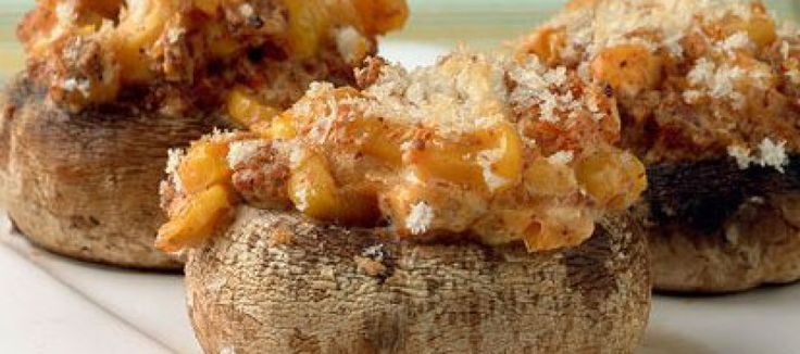 Pittig gevulde verse champignons