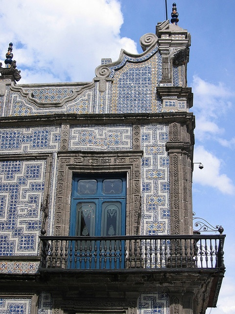 La casa de los azulejos o el palacio de los condes del for Casa de los azulejos ciudad de mexico