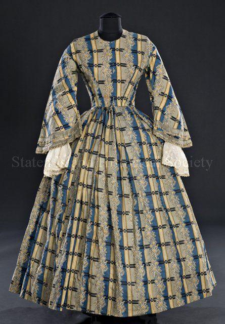 Day dress (image 1) | American | 1855-65 | hand-sewn wool | Staten Island Historical Society | Catalog #: 99.009.0003