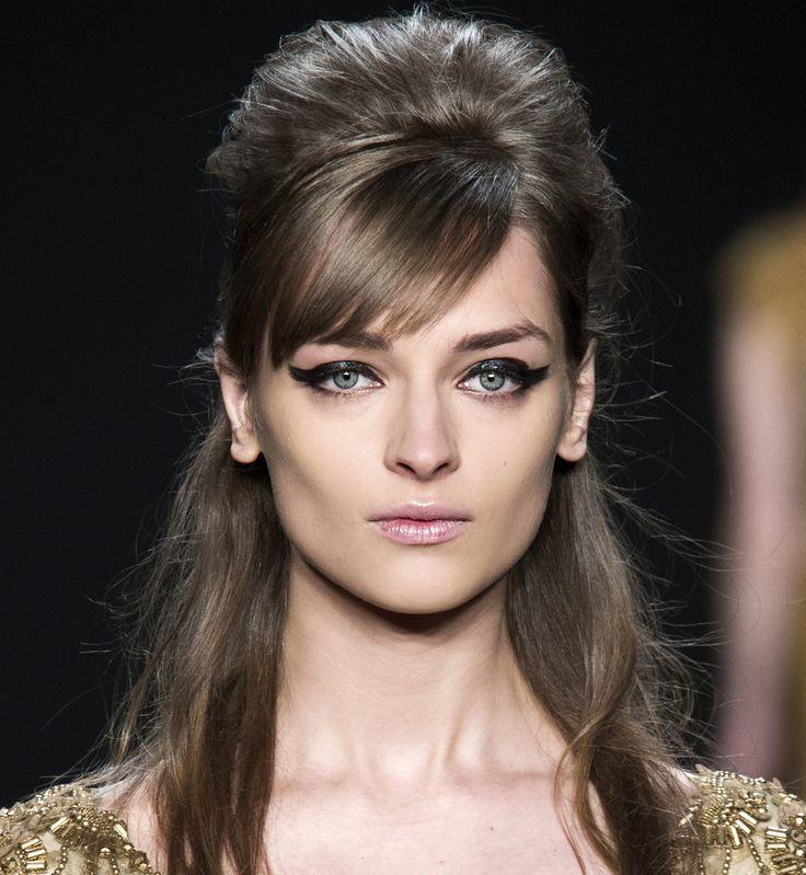 Jeśli nie zaplanowałyście jeszcze świątecznej fryzury - kilka inspiracji od Elle. Na realizację zapraszamy oczywiście do naszego salonu :)