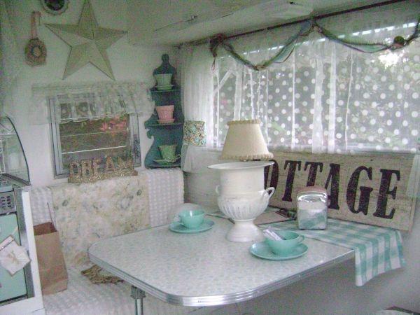 ~ very sweet vintage camper ~