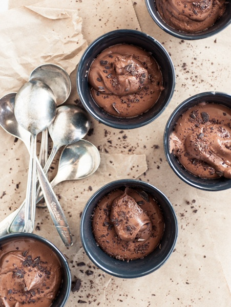 A Spoonful Of Sugar : Eleven More-ish Desserts  Two-Ingredient Chocolate Mousse | Minimally Invasive: Cakes Photos, 2 Ingredients, Two Ingredients Chocolates, Chocolates Mousse Recipes, Chocolates Mouse, Chocolates Mousse Cakes, Chocolates Desserts, Easy Chocolates Mousse, Chocolates Mousse Cups
