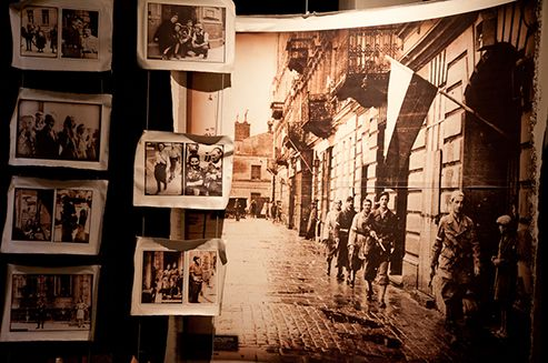 1 sierpnia 2016 obchodzimy 72. rocznicę wybuchu Powstania Warszawskiego.  #Warsaw #Warszawa #WarsawUprising #PowstanieWarszawskie #godzinaW #WarsawRising