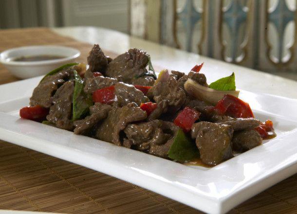 Unser beliebtes Rezept für Spicy Beef mit Thai-Basilikum und mehr als 55.000…