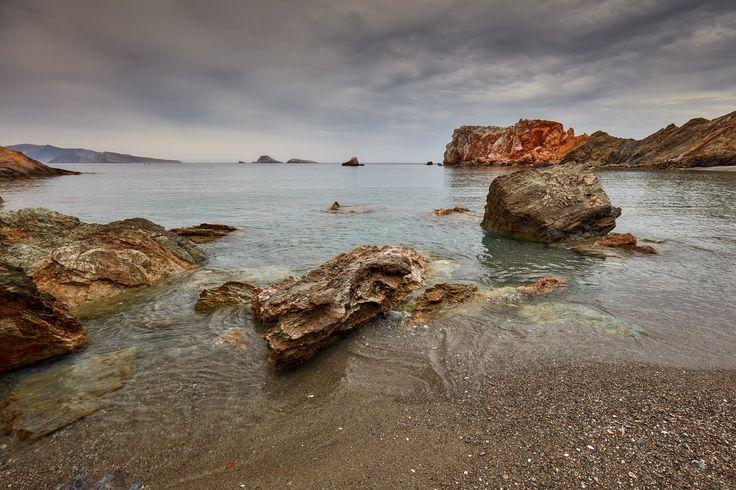 https://flic.kr/p/CRJf9o | 5 Islands: Folegandros – Vardia beach | Cycladic Islands, Spring 2016 (Tinos, Serifos, Sifnos, Milos, Folegandros)  Folegandros, South Aegean, Greece