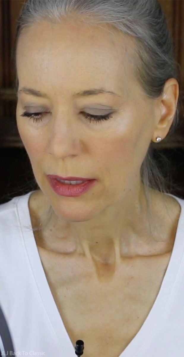 (Video) GRWM/Review: Using BareMinerals Matte Powder Foundation and RMS Beauty Lip2Cheek on My Dry, Mature Skin / Green Classic Beauty Over 50 | fashion and ...