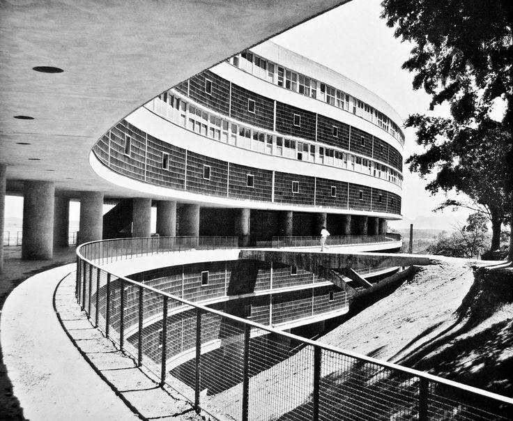 Alfonso Reidy, Pedreguhlo Housing Complex, Rio de Janeiro, 1960. Podobne do planu dla Algieru Corbusiera