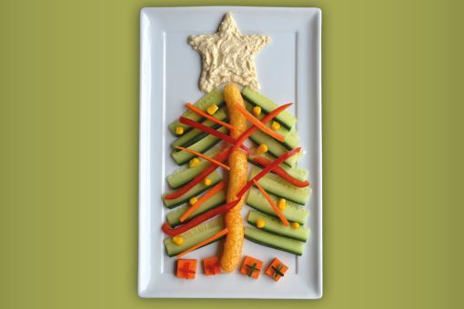 O'Christmas tree, O'Christmas tree - this tasty No Junk platter is really easy to make and your little helper will love getting involved!