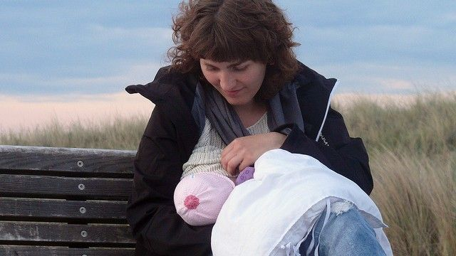 breastfeeding 10 great benefits for baby! http://www.greatparentingideas.com/10-facts-about-breastfeeding/