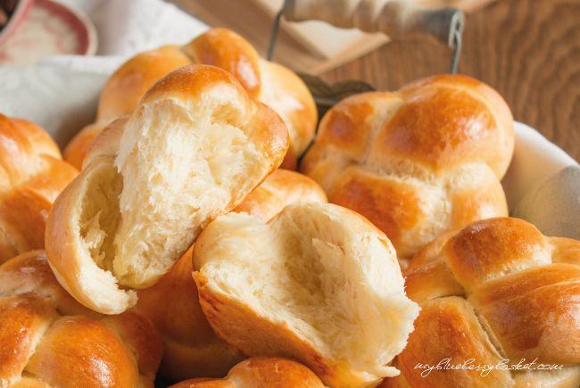photo of sweet brioche buns