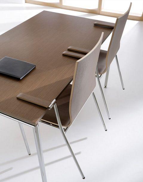 Krzesło konferencyjne SENSI #elzap #meblebiurowe #meble #furniture #poland #warsaw #krakow #katowice #office #design #officedesign #officefurniture  #wooden #chair #conference #table #conversation  www.elzap.eu www.krzesla.krakow.pl www.meble-metalowe.com