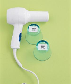 Secador de cabelo utilizado para remover etiquetas de preços rapidamente.