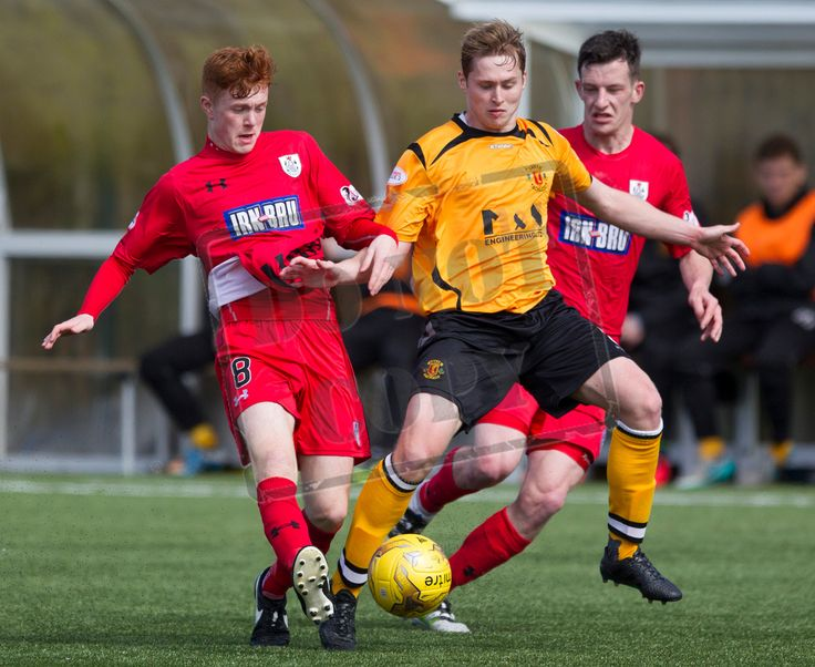 Queen's Park's Liam Brown on the ball during the SPFL League Two game between Annan Athletic and Queen's Park.