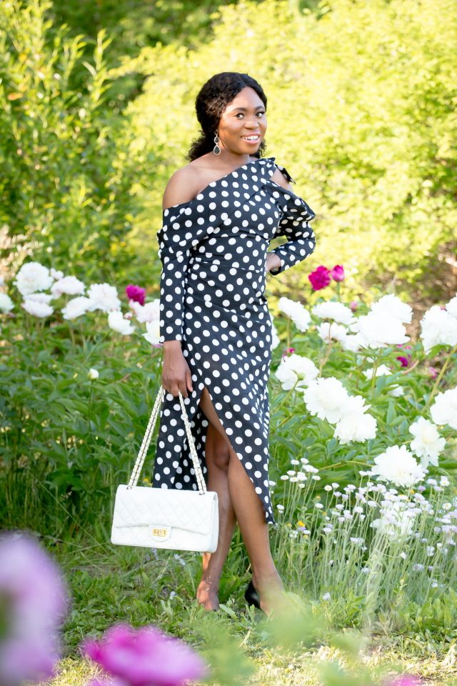 9fc9641701 You ve seen you re favorite bloggers rock stunning pieces from Shein that  they got at an affordable price. But the reviews of this fast fashion site  send ...