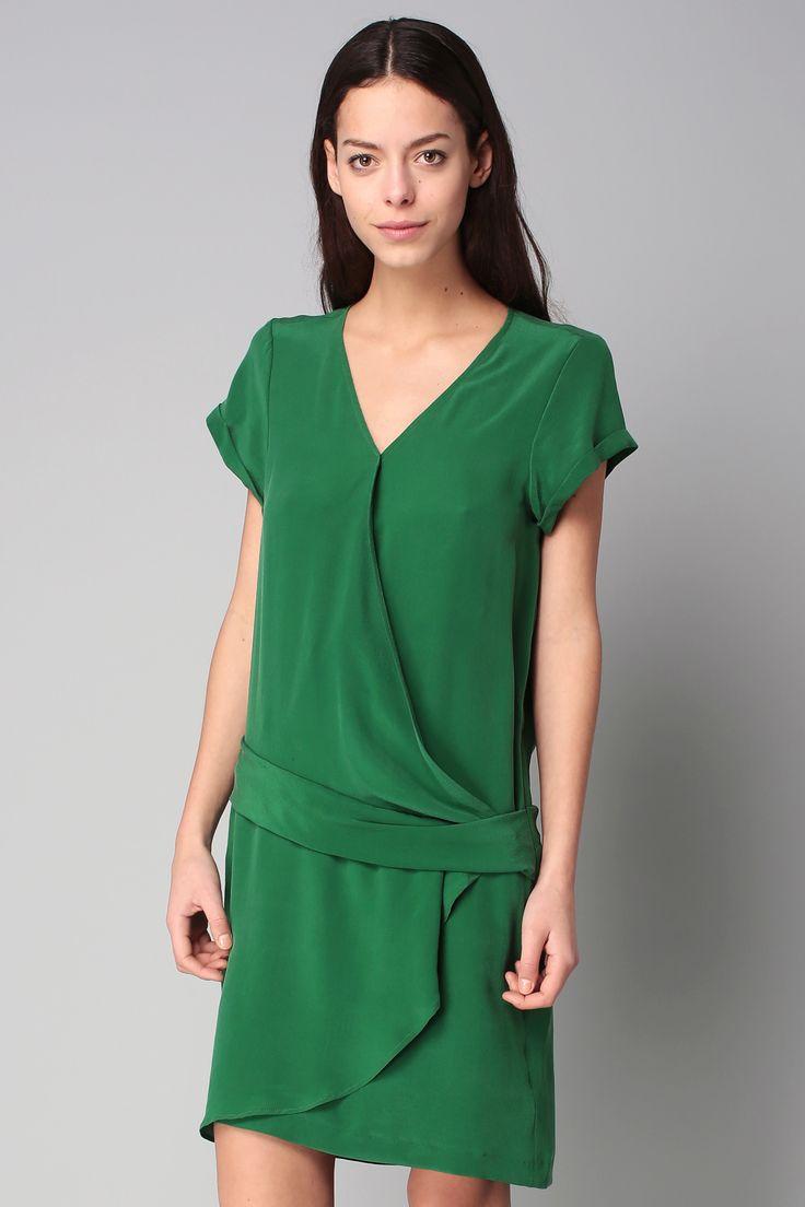 Les 25 meilleures id es de la cat gorie soie verte sur for Robe vert aqua pour mariage