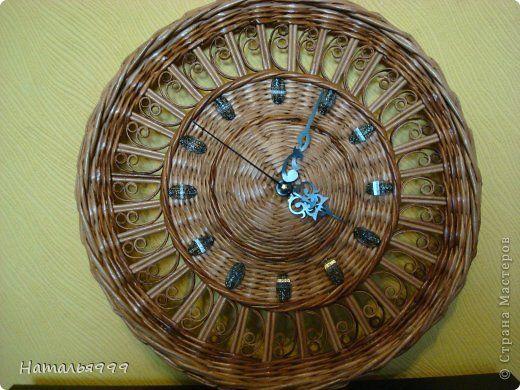 Поделка изделие Плетение Часы Трубочки бумажные фото 1