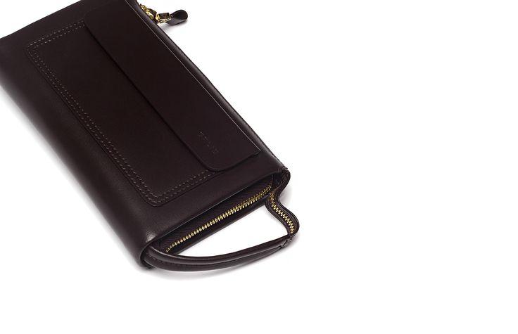 ACCESSORIES   Дополните образ элегантными аксессуарами.  Объемный бумажник - 2 599 руб.  #MFI #mensfashion_industry #аксессуары #aw16  mensfashion-industry.com