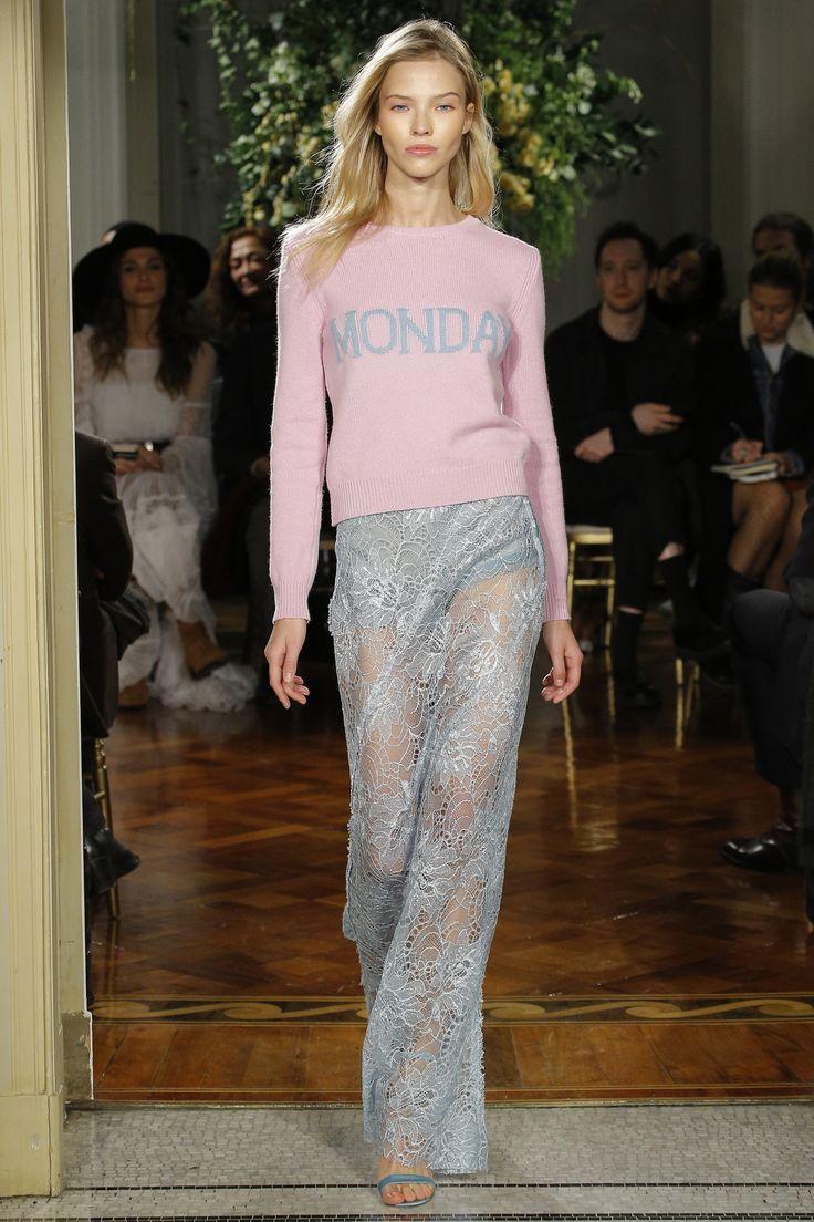 http://www.vogue.com/fashion-shows/pre-fall-2017/alberta-ferretti/slideshow/collection